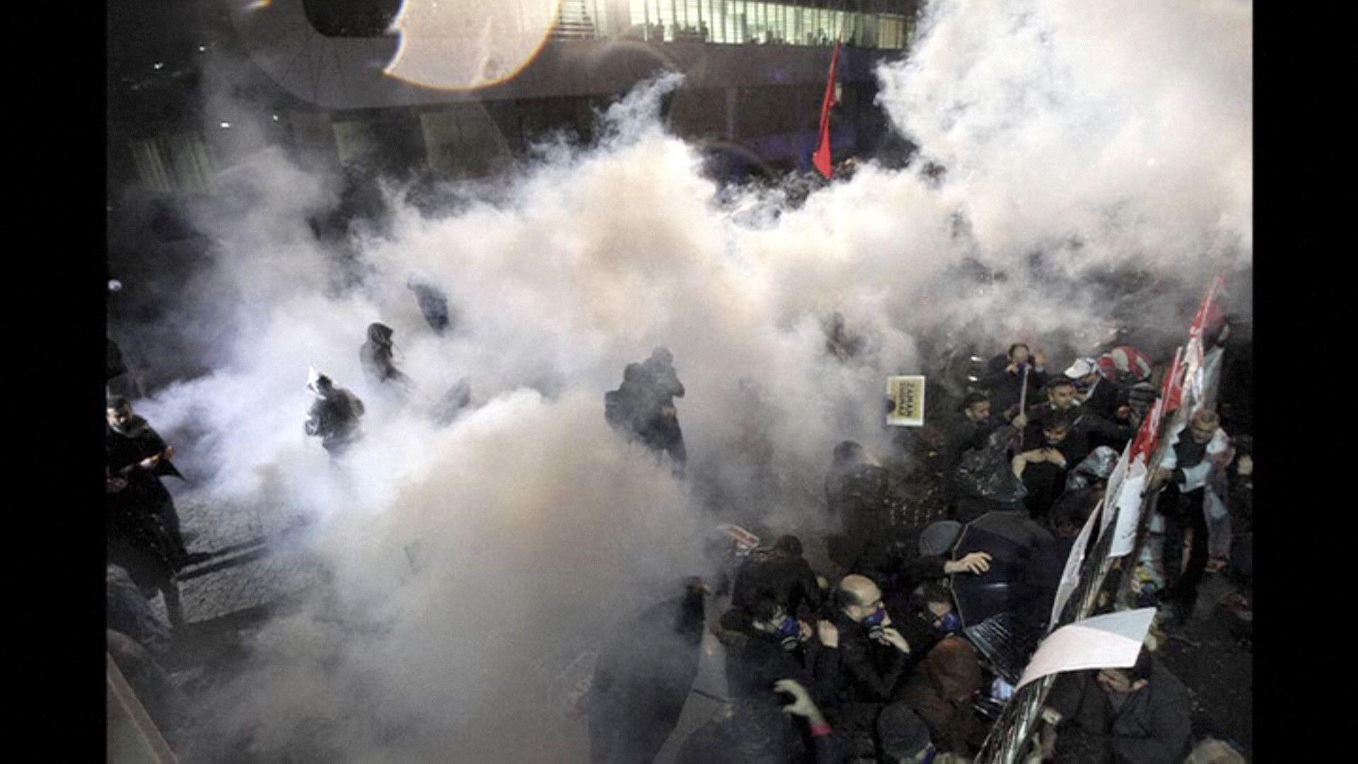 Lerohanta a rendőrség a legnagyobb újság szerkesztőségét