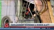 Iskolásokért küzdenek a romok alatt