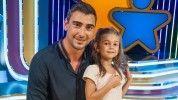 Ezt képzeld magad elé: a kétméteres Gulyás Peti limonádét árult csöpp kislányával