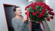 Gyönyörű virágcsokorral lepték meg Janicsák Vecát a backstage-ben
